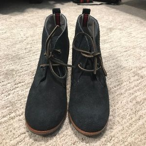 Sperry wedge booties with ties- black size 6